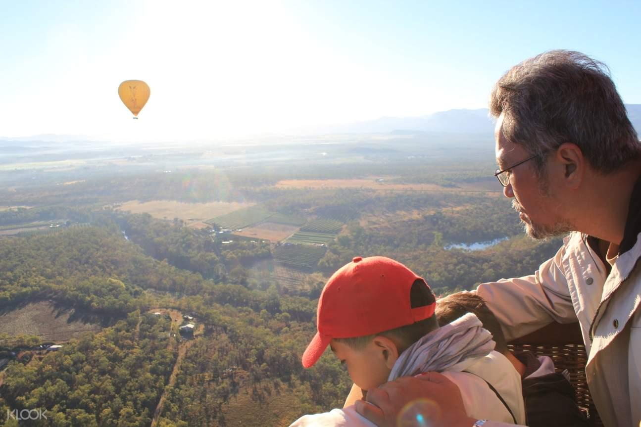 hot air balloon in Brisbane